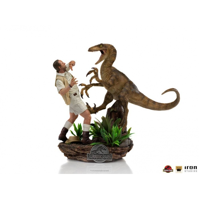 Jurassic Park: Deluxe Clever Girl 1:10 Scale Statue Iron Studios Product