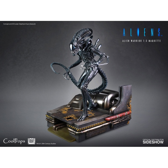 Aliens: Alien Warrior 1:3 Scale Maquette Sideshow Collectibles Product