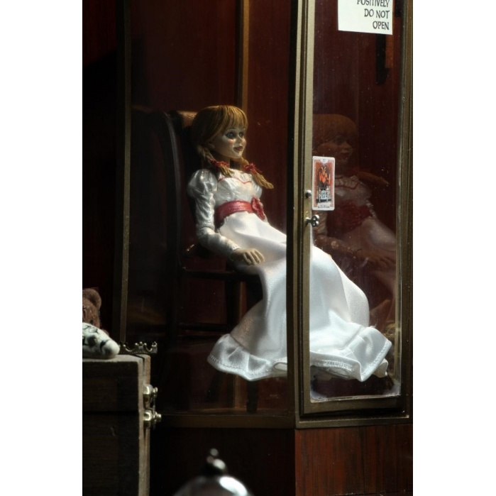 Annabelle Comes Home: Ultimate Annabelle 7 inch Action Figure NECA Product