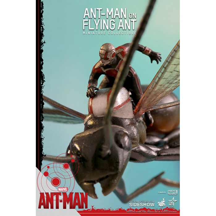 Ant-Man on Flying Ant 10 cm Hot Toys Product