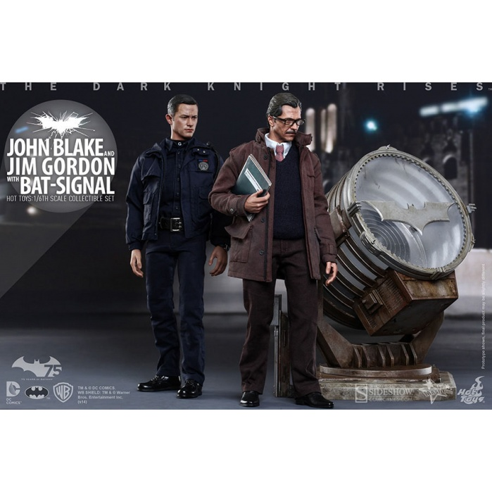Dark Knight Rises John Blake & Jim Gordon with Bat-Signal Hot Toys Product