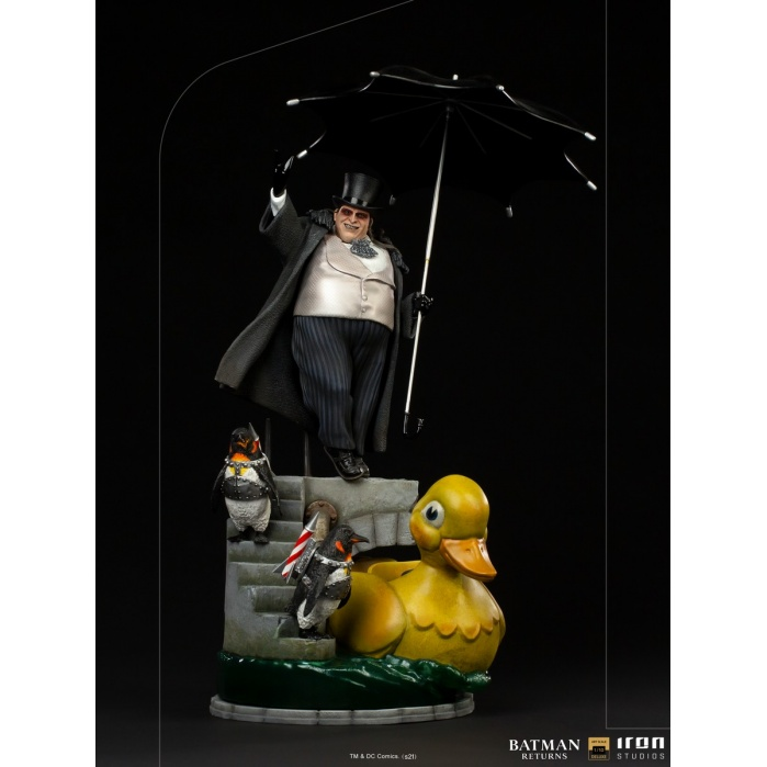 DC Comics: Batman Returns - The Penguin Deluxe 1:10 Scale Statue Iron Studios Product