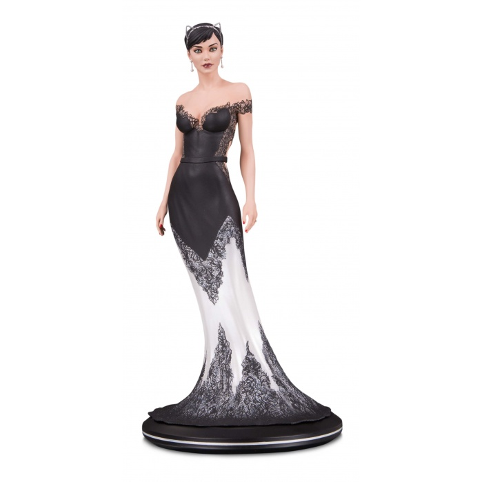 DC Comics: Cover Girls - Catwoman Wedding Dress Statue by Joelle Jones Diamond Select Toys Product