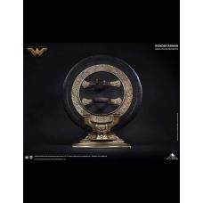 DC Comics: Exclusive Wonder Woman Shield Life-Size Prop Replica - Queen Studios (EU)
