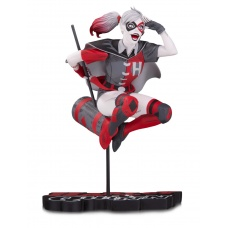 DC Comics: Harley Quinn Red White and Black Statue by Guillem March | Diamond Select Toys