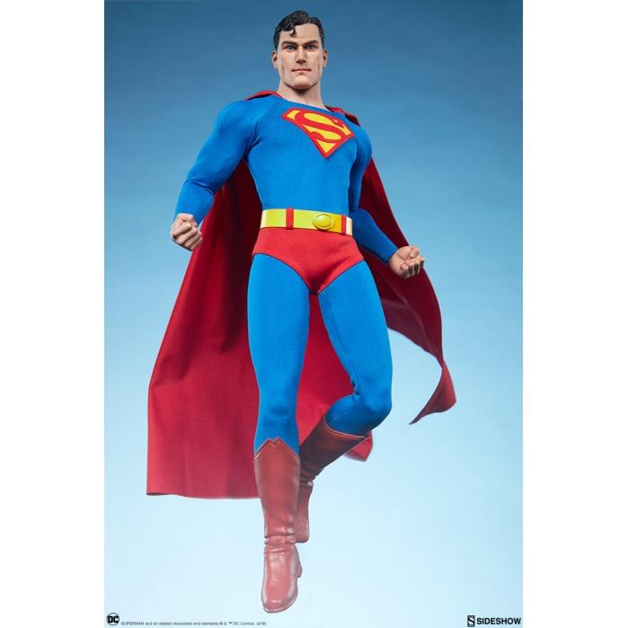DC Comics: Superman 1:6 Scale Figure Sideshow Collectibles Product