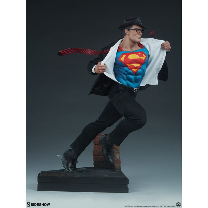 DC Comics: Superman Call to Action Premium Statue Sideshow Collectibles Product