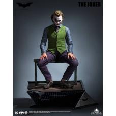 DC Comics: The Dark Knight - Joker Special Version 1:3 Scale Statue | Queen Studios