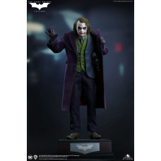 DC Comics: The Dark Knight - The Joker Regular Edition 1:4 Scale Statue | Queen Studios