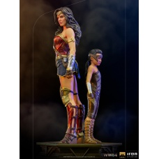 DC Comics: WW84 - Deluxe Wonder Woman and Young Diana 1:10 Scale Statue | Iron Studios