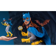 DC Cover Girls Statue Batgirl by Frank Cho 23 cm | DC Collectibles