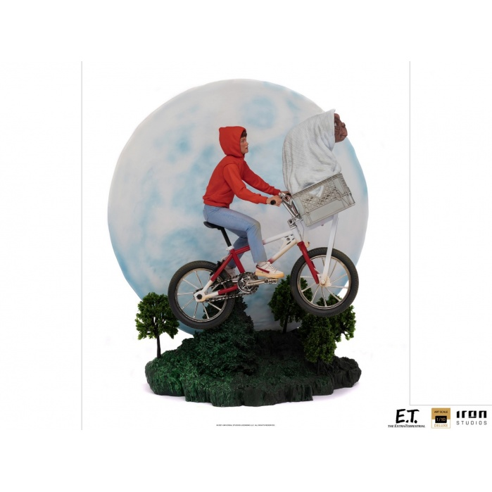 E.T. the Extra-Terrestrial: Deluxe E.T. and Elliot 1:10 Scale Statue Iron Studios Product