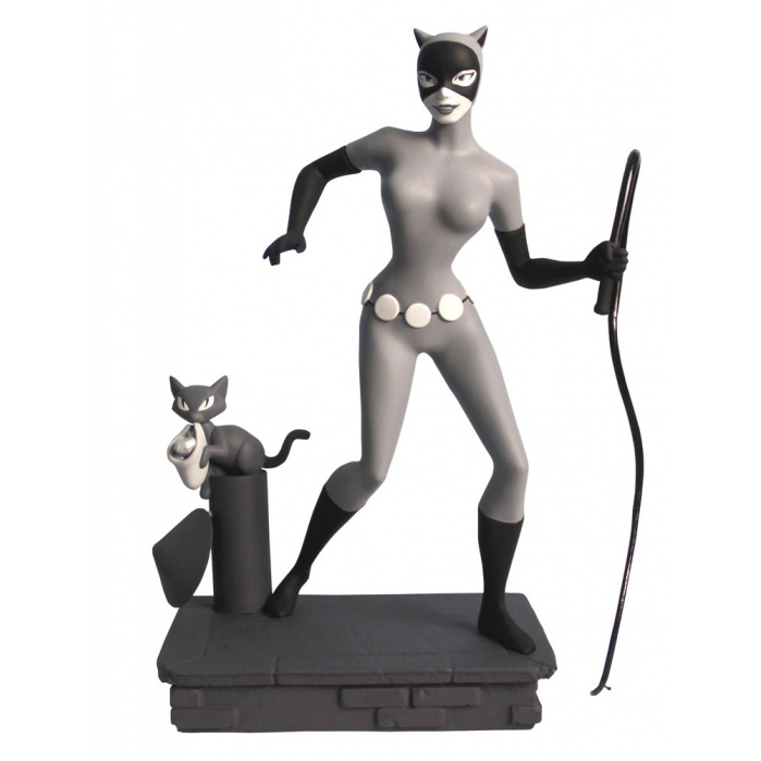 Femme Fatales PVC Statue Black & White Catwoman EU Exclusive Diamond Select Toys Product