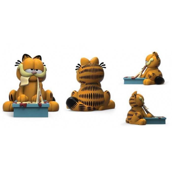 Garfield: Lasagna Time 8 inch Vinyl Figure Kidrobot Product