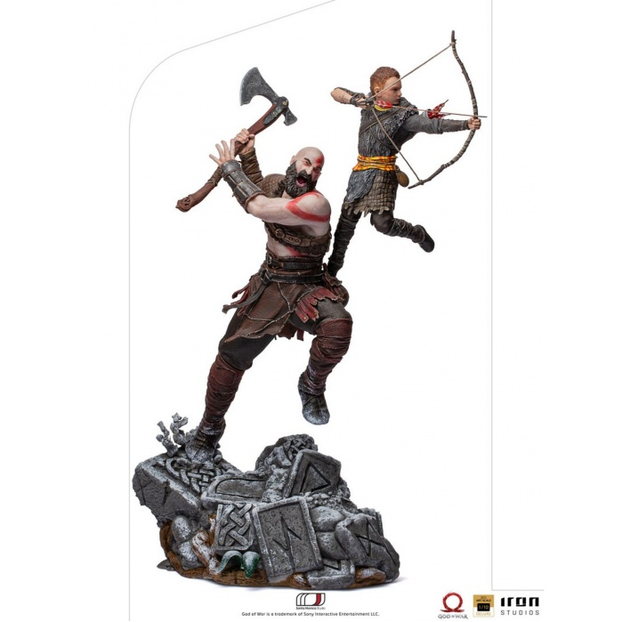 God of War: Kratos and Atreus 1:10 Scale Statue Iron Studios Product