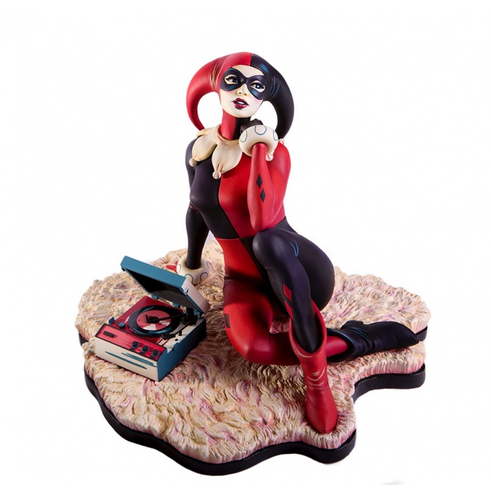 Harley Quinn Waiting For My J Man Statue Mondo Product