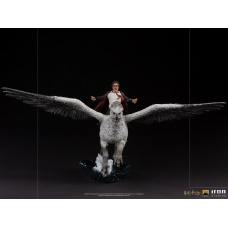 Harry Potter and the Prisoner of Azkaban: Deluxe Harry Potter and Buckbeak 1:10 Scale Statue | Iron Studios