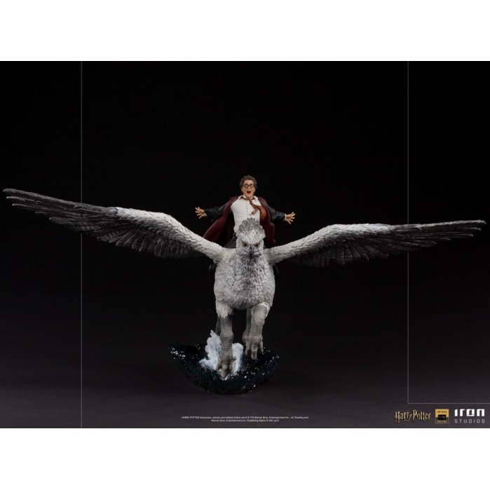 Harry Potter and the Prisoner of Azkaban: Deluxe Harry Potter and Buckbeak 1:10 Scale Statue Iron Studios Product