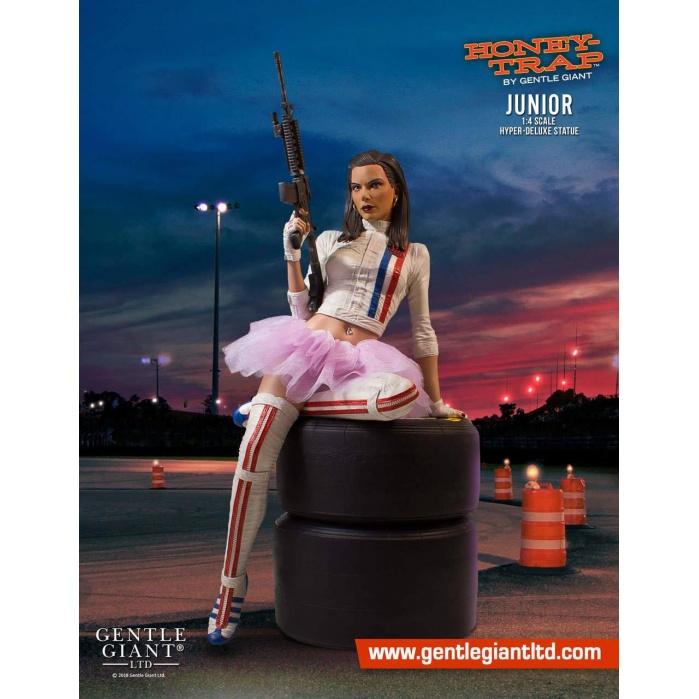 Honey Trap Hyper-Deluxe Statue 1/4 Junior Gentle Giant Studios Product