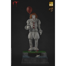 IT: Pennywise 1:3 scale Maquette | Elite Creature Collectibles