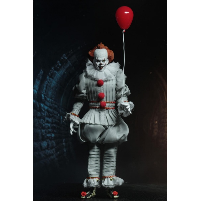 IT: Pennywise - Clothed Action Figure NECA Product