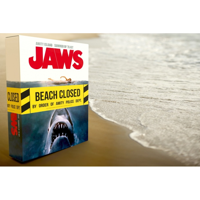 Jaws: Amity Island Summer of 75 Kit Doctor Collector Product