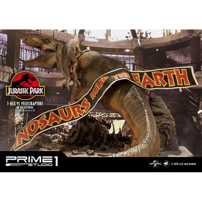 Jurassic Park: T-Rex vs Velociraptors in the Rotunda Diorama Prime 1 Studio Product