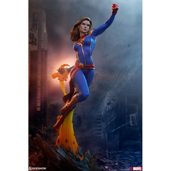Marvel: Avengers Assemble Collecton - Captain Marvel 1:5 scale statue Sideshow Collectibles Product