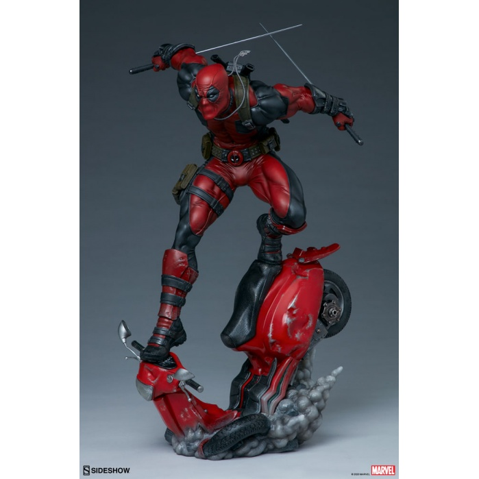 Marvel: Deadpool Premium Format Figure 1:4 Sideshow Collectibles Product