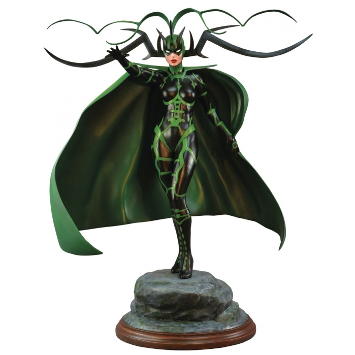 Marvel: Premier Collection Hela Statue Diamond Select Toys Product