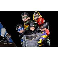 Q-Master Diorama Batman: Family 39 cm   Quantum Mechanix