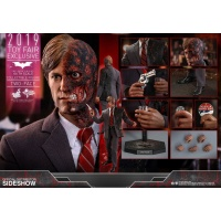 The Dark Knight Movie Masterpiece Action Figure 1/6 Two-Face 2019 Toy Fair Exclusive Hot Toys Product