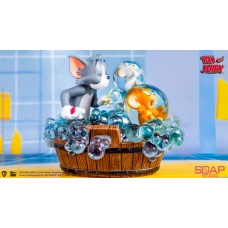 Tom and Jerry: Bath Time Statue | Soap Studio