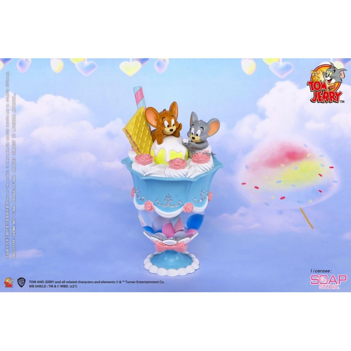 Tom and Jerry: Candy Parfait Snow Globe Soap Studio Product